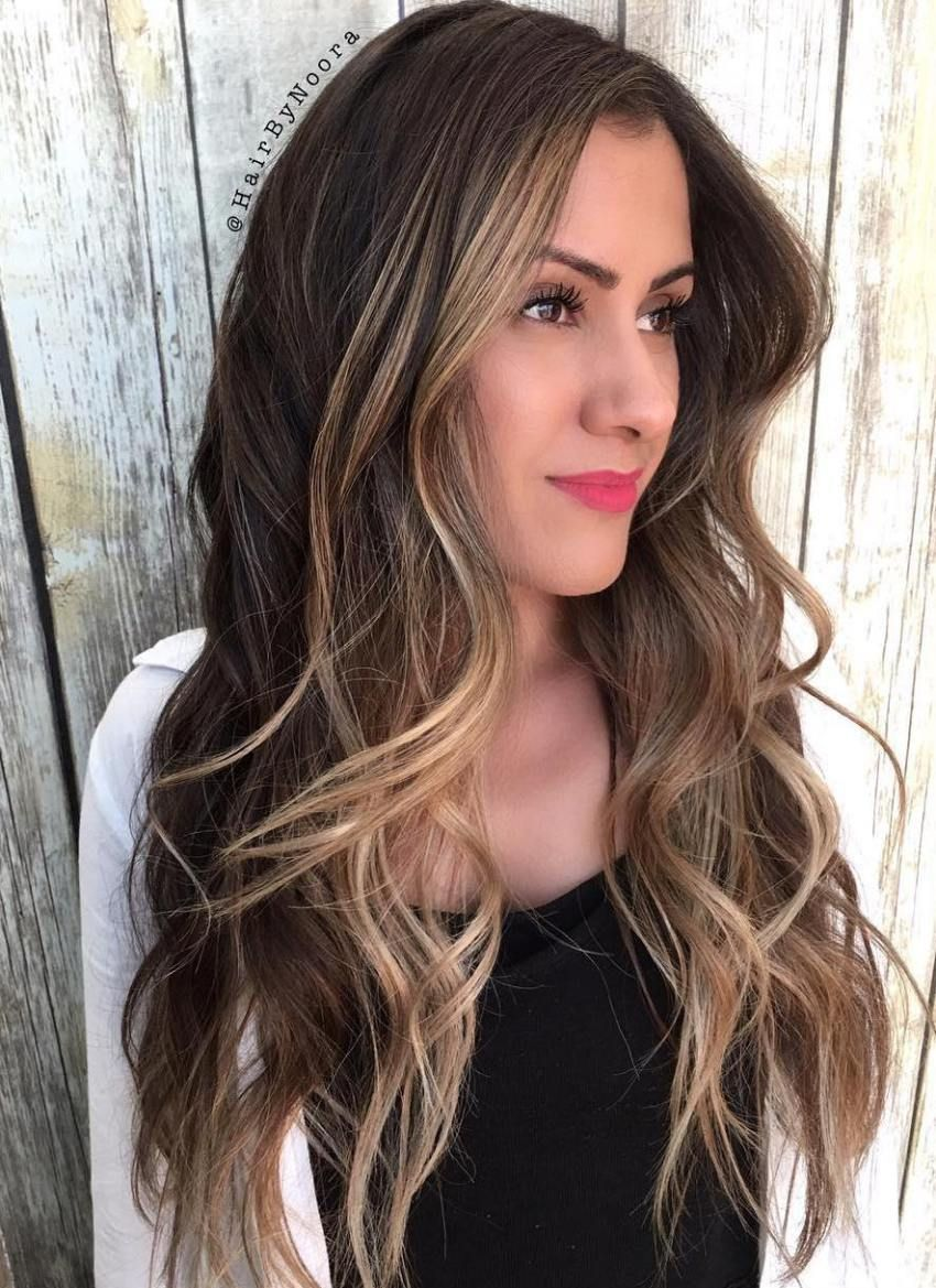 20 Jaw-Dropping Long Hairstyles for Round Faces pictures