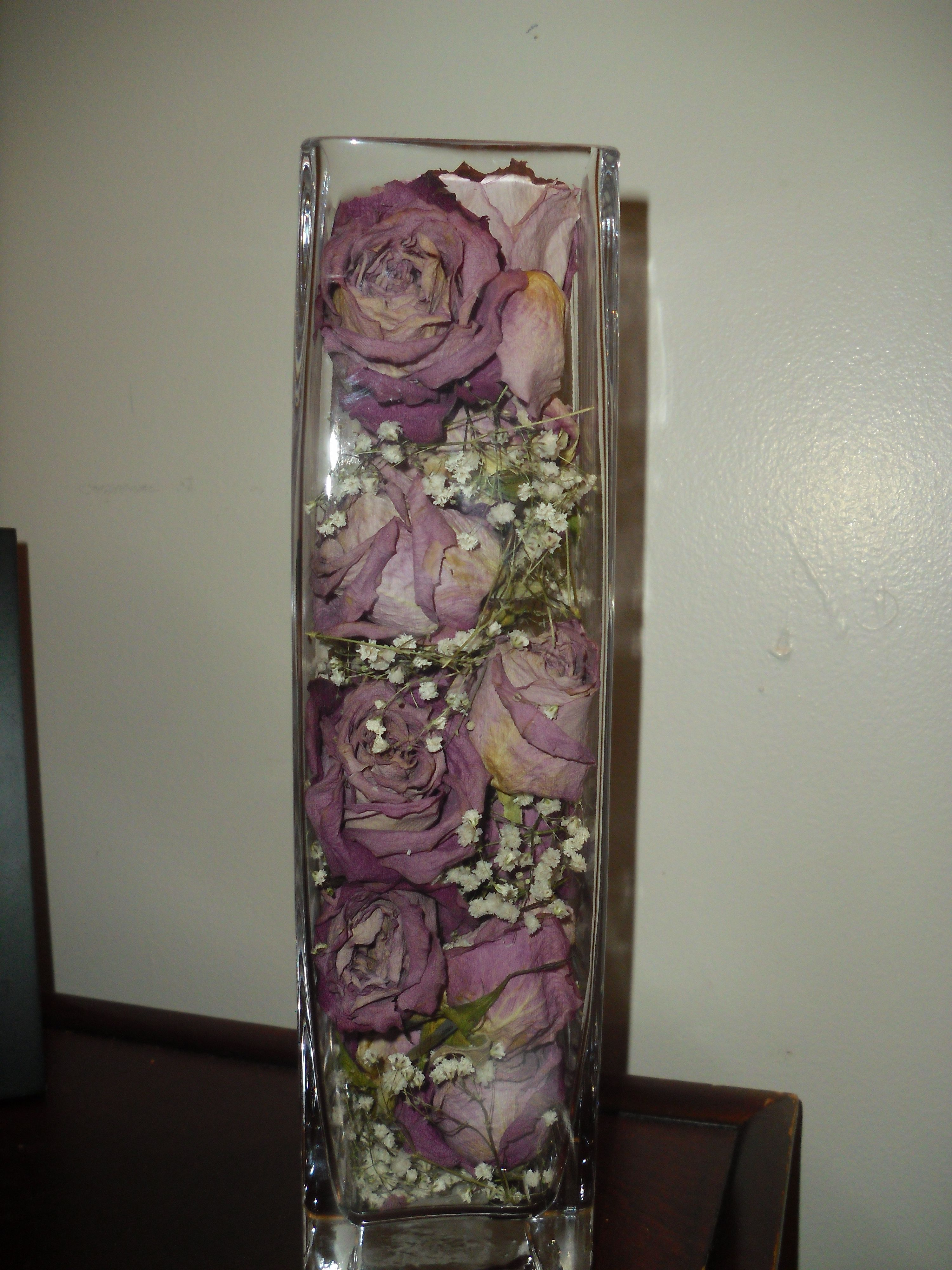 i dried roses and baby 39 s breath i used an old vase and organized them for a center piece that. Black Bedroom Furniture Sets. Home Design Ideas
