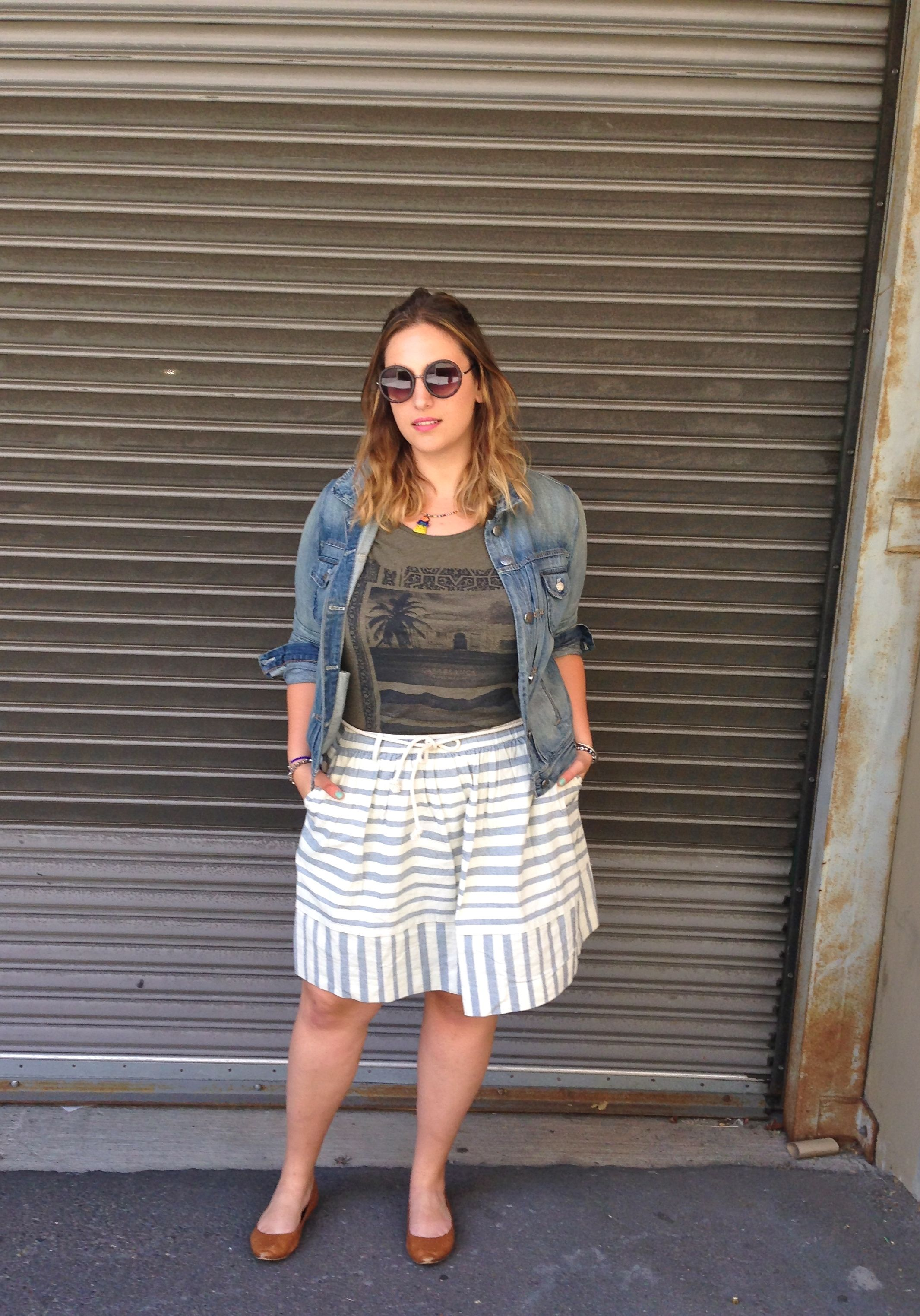 Party Outfit Für Mollige Seattle Fashion Blogger Striped Skirt Graphic Tee Plus