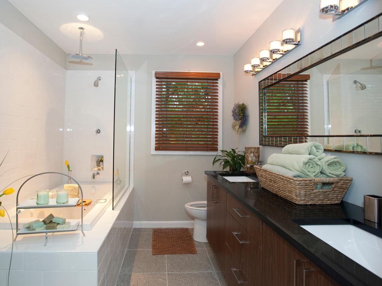 Traditional Bathroom Designs Pictures & Ideas From  Hgtv Awesome Traditional Bathroom Design Ideas Design Inspiration