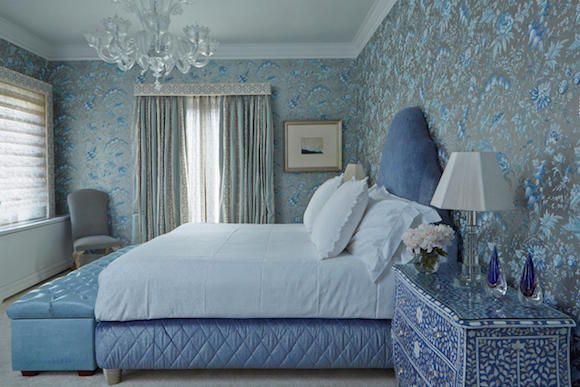 34 Enchanting Blue And White Rooms Bedroom Design Diy Luxury Bedroom Furniture Bedroom Design Turquoise and white pearl bedroom