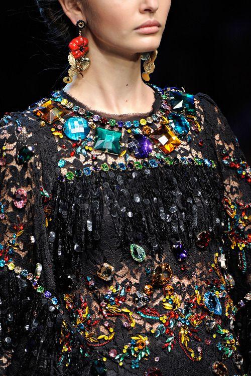 splash-of-glam:  Dolce  Gabbana spring 2012 rtw details