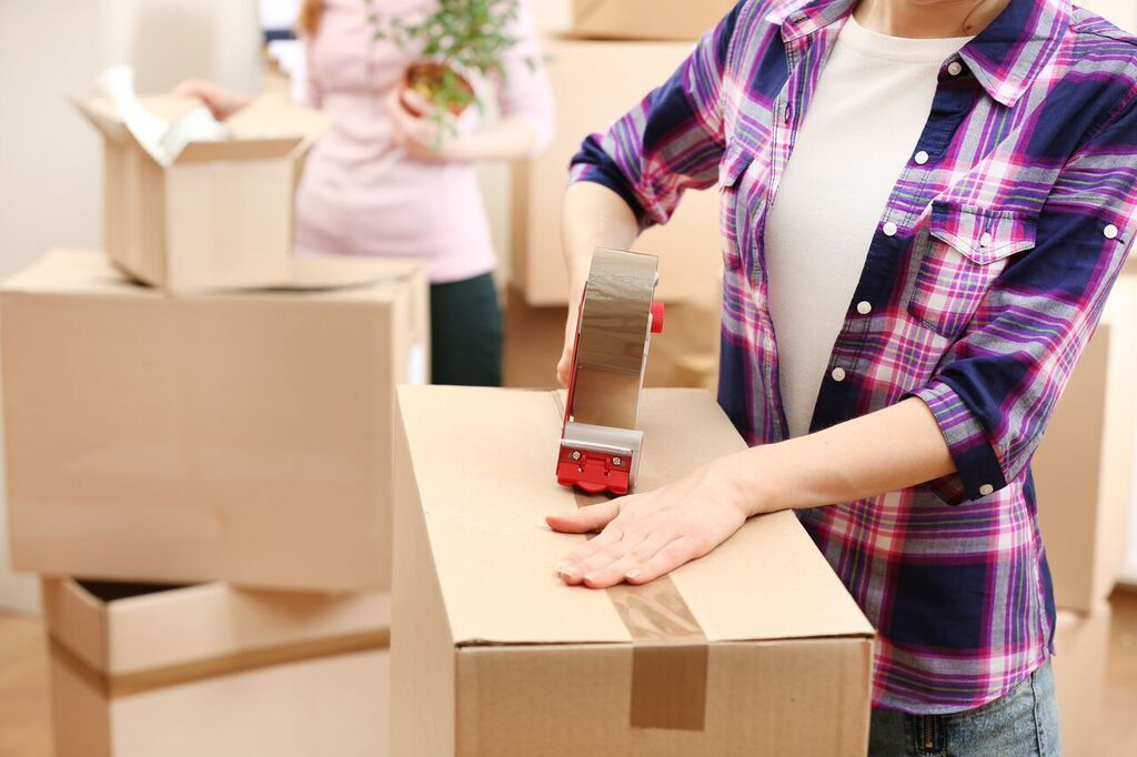 Blog Moving 7 Tips For Packing Up Your Kitchen