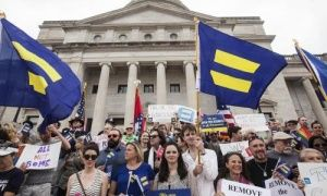 Silicon Valley flexes political muscle in new US culture war over anti-gay laws Apple CEO Tim Cook set off an unprecedented backlash against 'religious freedom' laws this week, and showed why Republicans can no longer stay silent on civil rights Arkansas State Capitol in Little Rock.