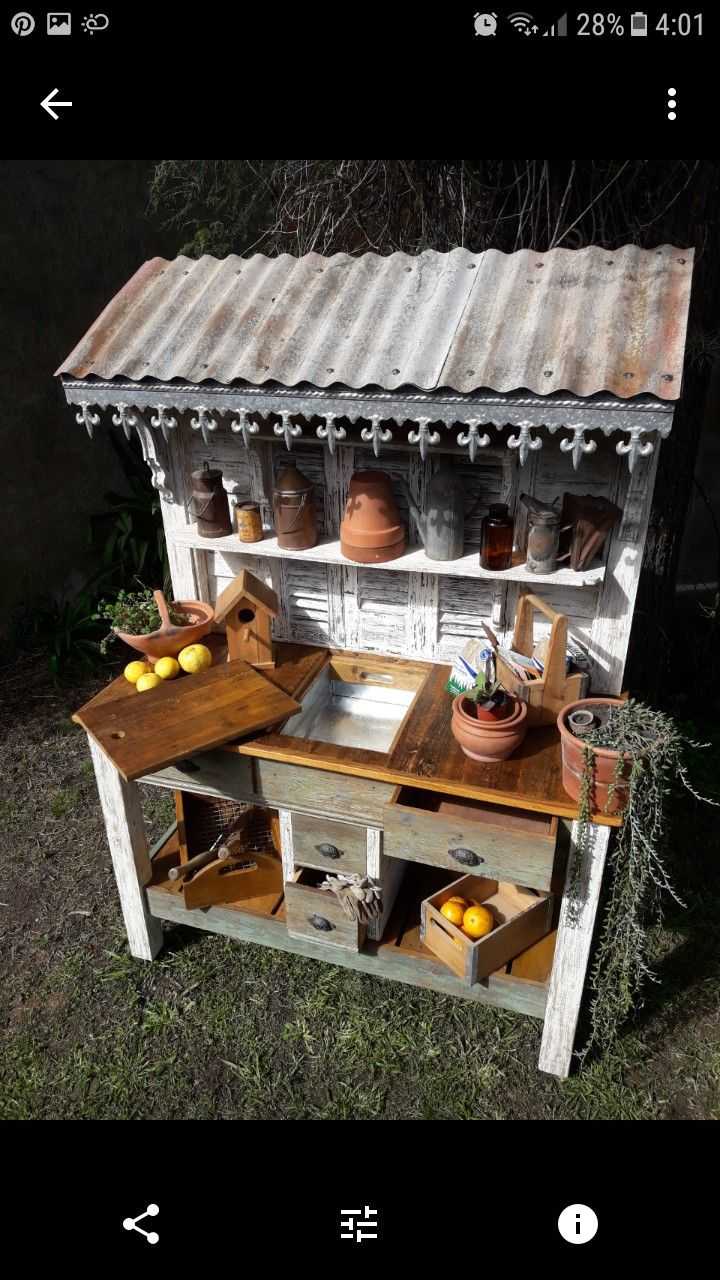 Potting Bench With Tin Roof Amp Fleur De Lis Metal Trim On The Roof S Edge Outdoor Potting Bench