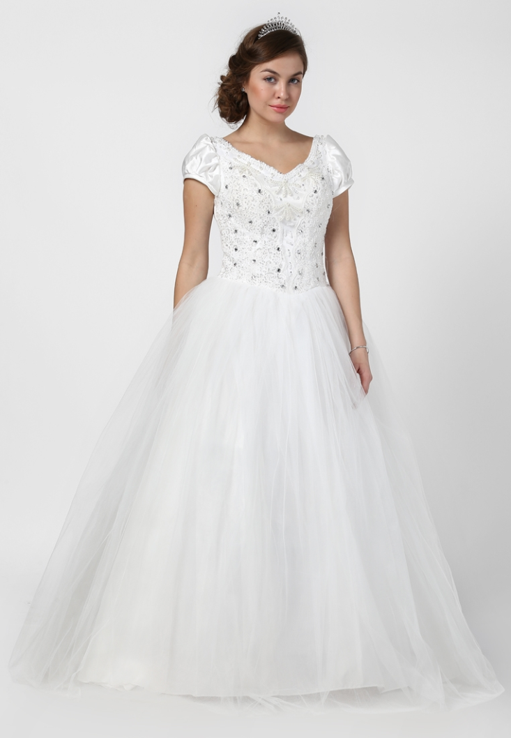 La Fantaisie is providing new designer wedding gowns for your ...