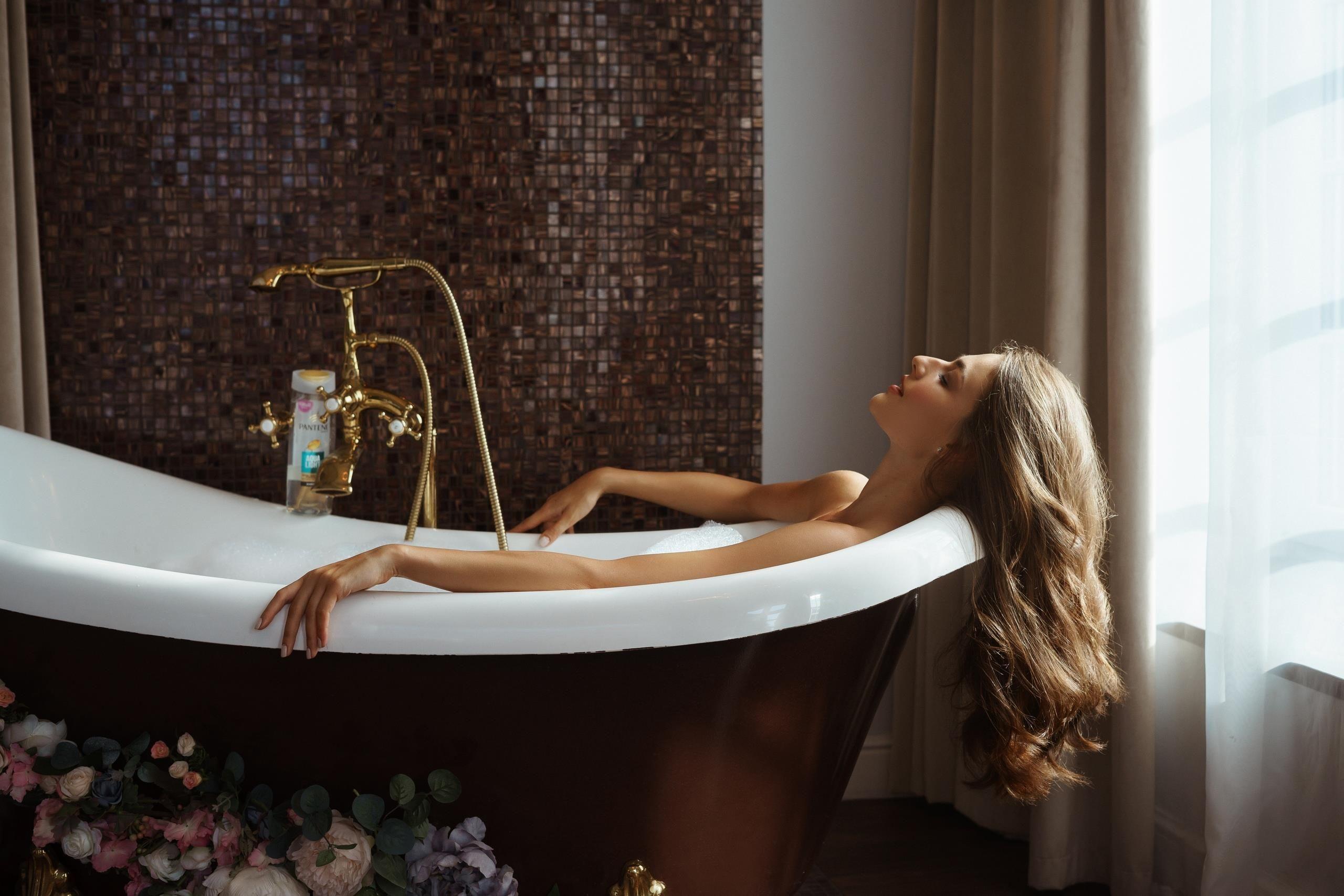 Девушка из ванной картинки
