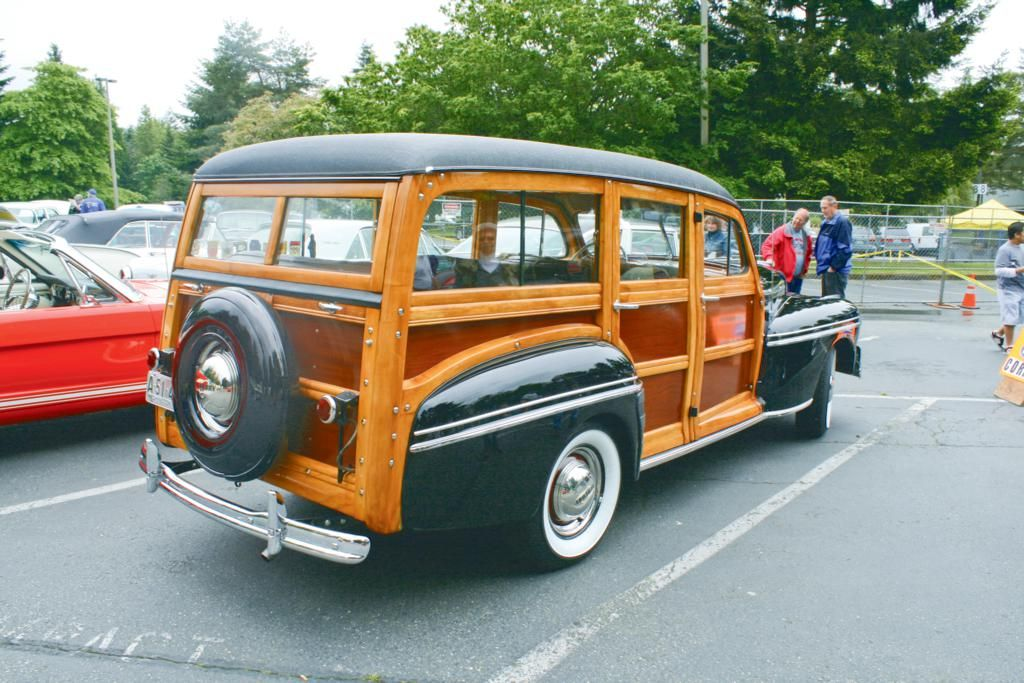 Woodie Wagons | Classic Cars | Pinterest | Cars, Station wagon and ...