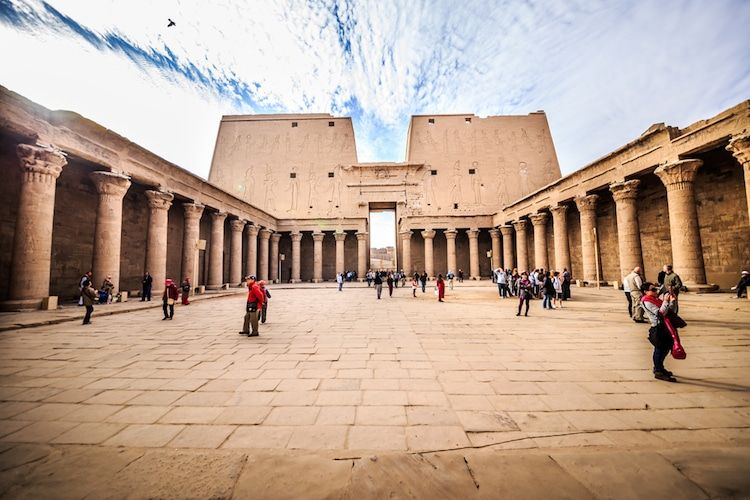 11 Architectural Styles That Define Western Society Types Of Architecture Architecture Ancient Egyptian Architecture
