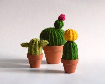 Cactus en laine faits à la main à Montréal par MoniqueMoniqueTricot