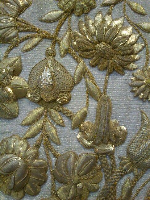 zardozi embroidery   Needlework   Pinterest   Bordado, Oro y Tela
