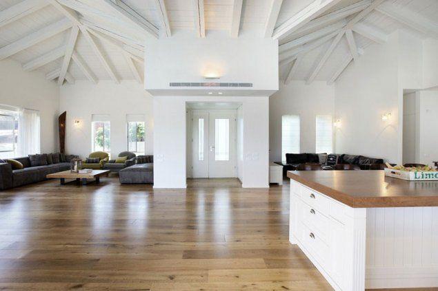 בית בשרון בתכנון ועיצוב משרד: הלל אדריכלים (בנין ודיור , מושיק כהן)