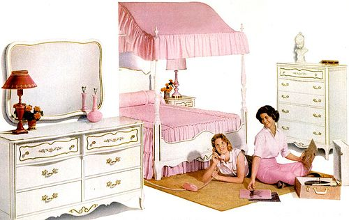 I Had A Canopy Bed Similar To This On With A Matching Desk