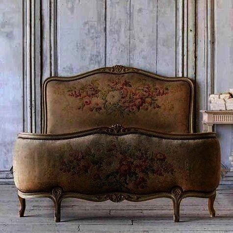 Centerpiece  Antique French Decor parishotelboutique Informations About Ruby Lane on Instagram Centerpiece  Antique French Decor Pin You can easily use my profile to exam...