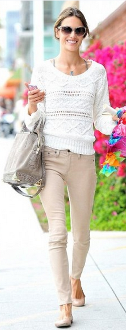 Who made Alessandra Ambrosio's gray suede handbag, skinny nude jeans, scallop ballet flat shoes and sunglasses? Shoes – Chloe  Jeans – Rag & Bone  Sunglasses – Salvatore Ferragamo  Purse – Alexander Wang  Necklace – Jacquie Aiche