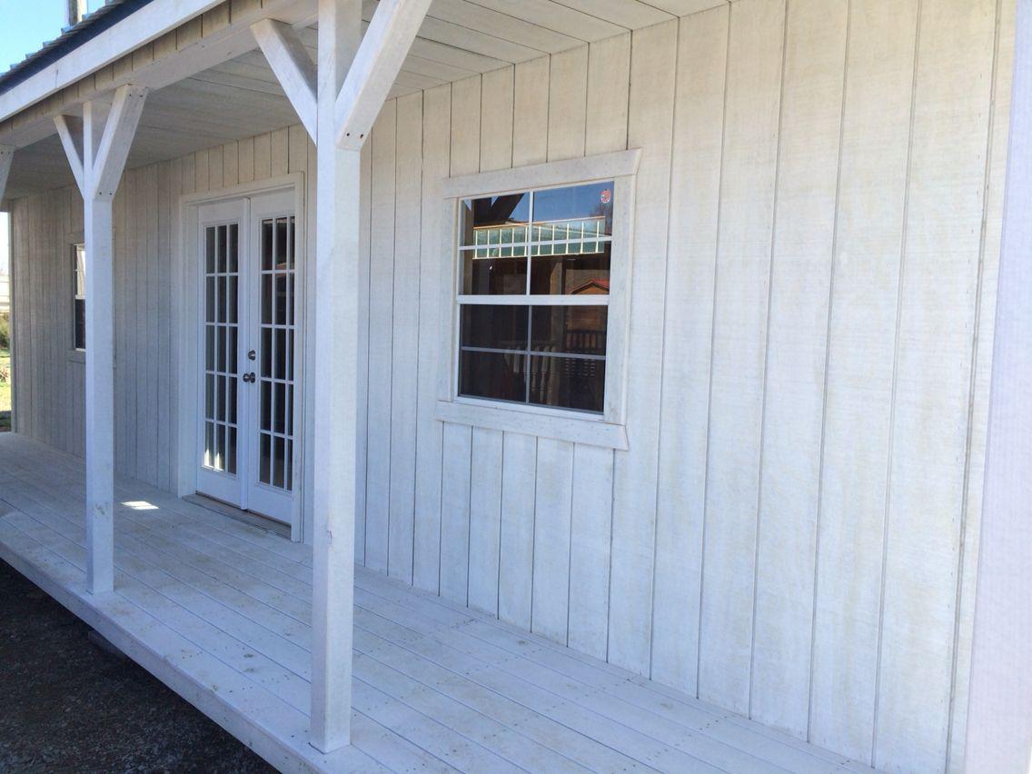 Beautiful white wash Kentucky Cabin.