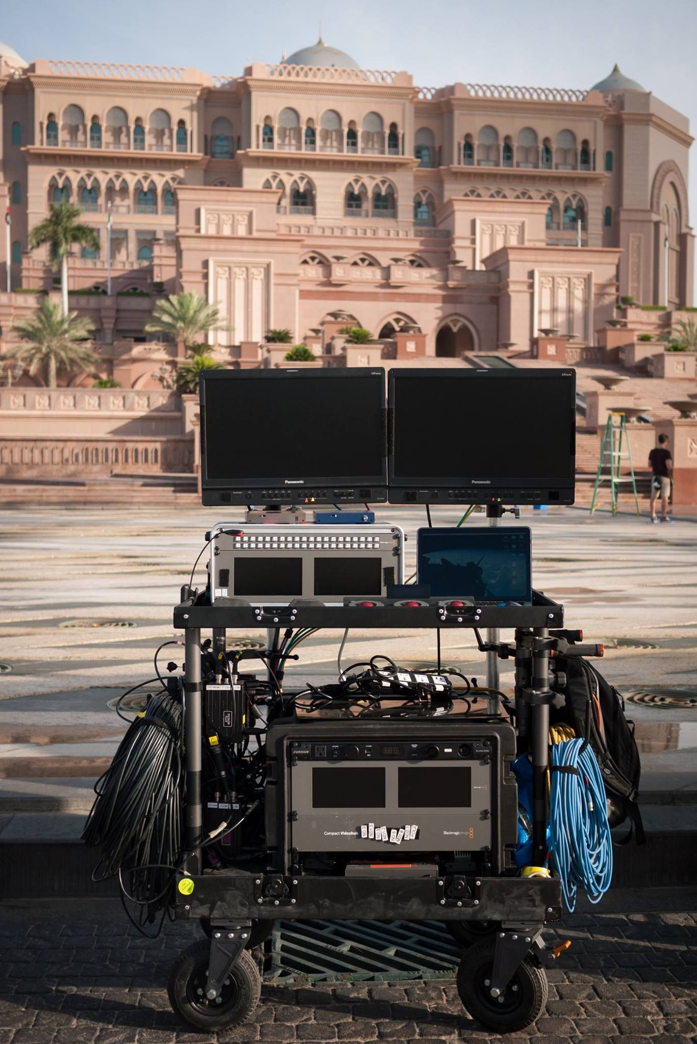 Inovativ cart on set of Fast and Furious 7. Simple and basic setup, likely not the only one...