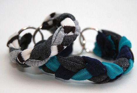 DIY t-shirt and keyring bracelets!