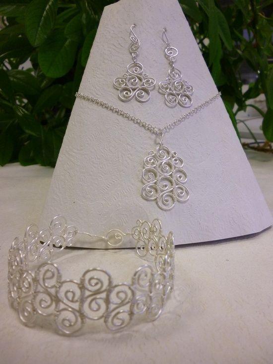Spiral earrings wire jewelry   Jewelry   Pinterest
