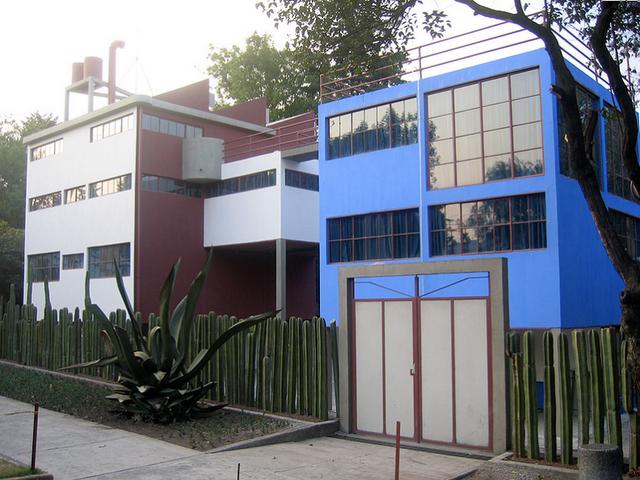 Cl sicos de arquitectura museo casa estudio diego rivera for Casa estudio arquitectura
