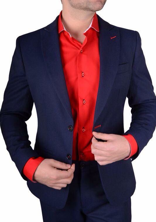 Marino Súper Una Un Azul Combinado Look Camisa Con Roja Saco Aran F5w4x