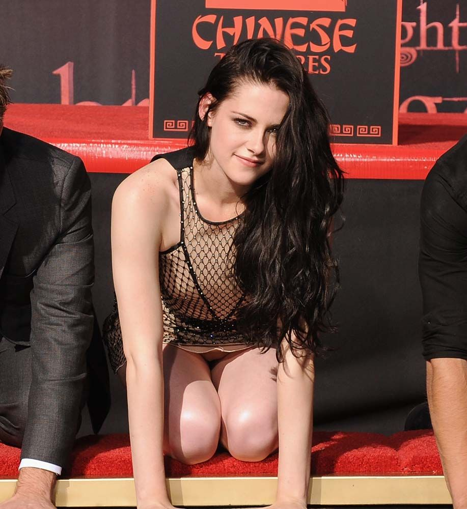 jessica-biel-sexy-nude-feet-julianna-guill-sex-sce