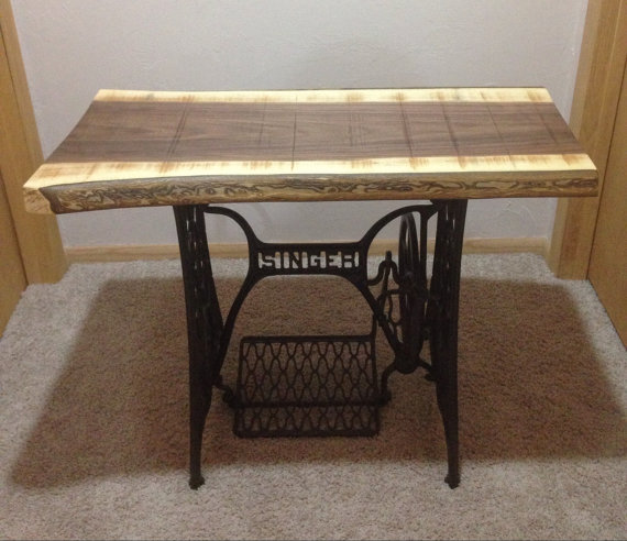 black walnut singer sewing machine table noyer coudre. Black Bedroom Furniture Sets. Home Design Ideas