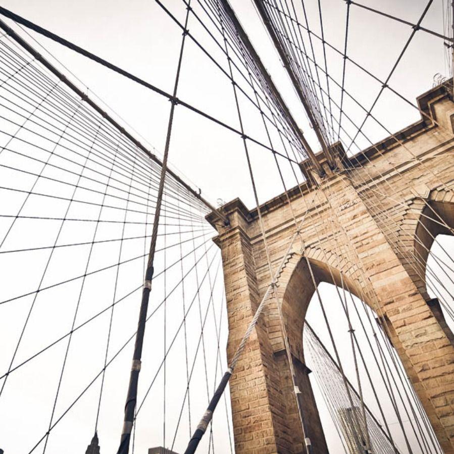 Le carte da parati retrò della collezione new carpet ci accompagnano lungo un viaggio dalle affascinanti atmosfere mediorientali. 197 Ponte Di Brooklyn Brooklyn Bridge Brooklyn Visit New York City