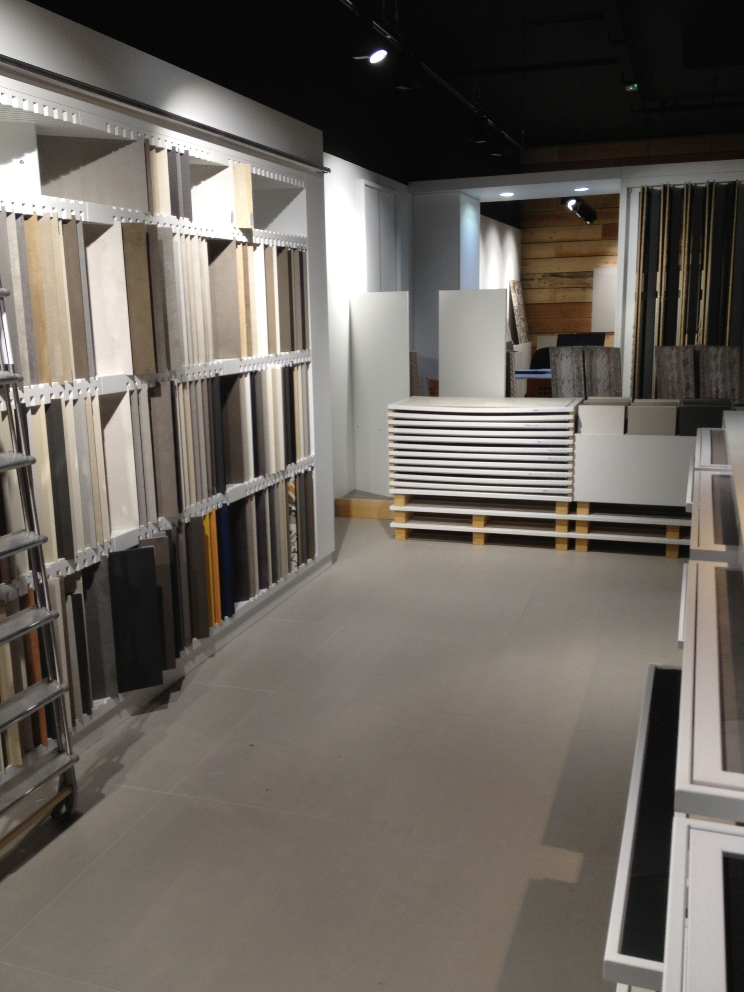 Mat riauth que tiles showroom furniture strasbourg france for Carrelage vendenheim