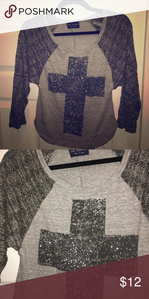 Grey raglan long sleeve with sweater sleeves This adorable tee has quarter length sleeves. The front is cotton and the sleeves are sweater threaded material. ⚜️Cross detail has little rhinestones. Tops Blouses