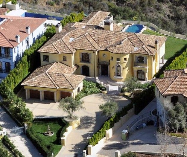 Kim Kardashian And Kanye West The Villa Mansions Celebrity Houses Bel Air Mansion