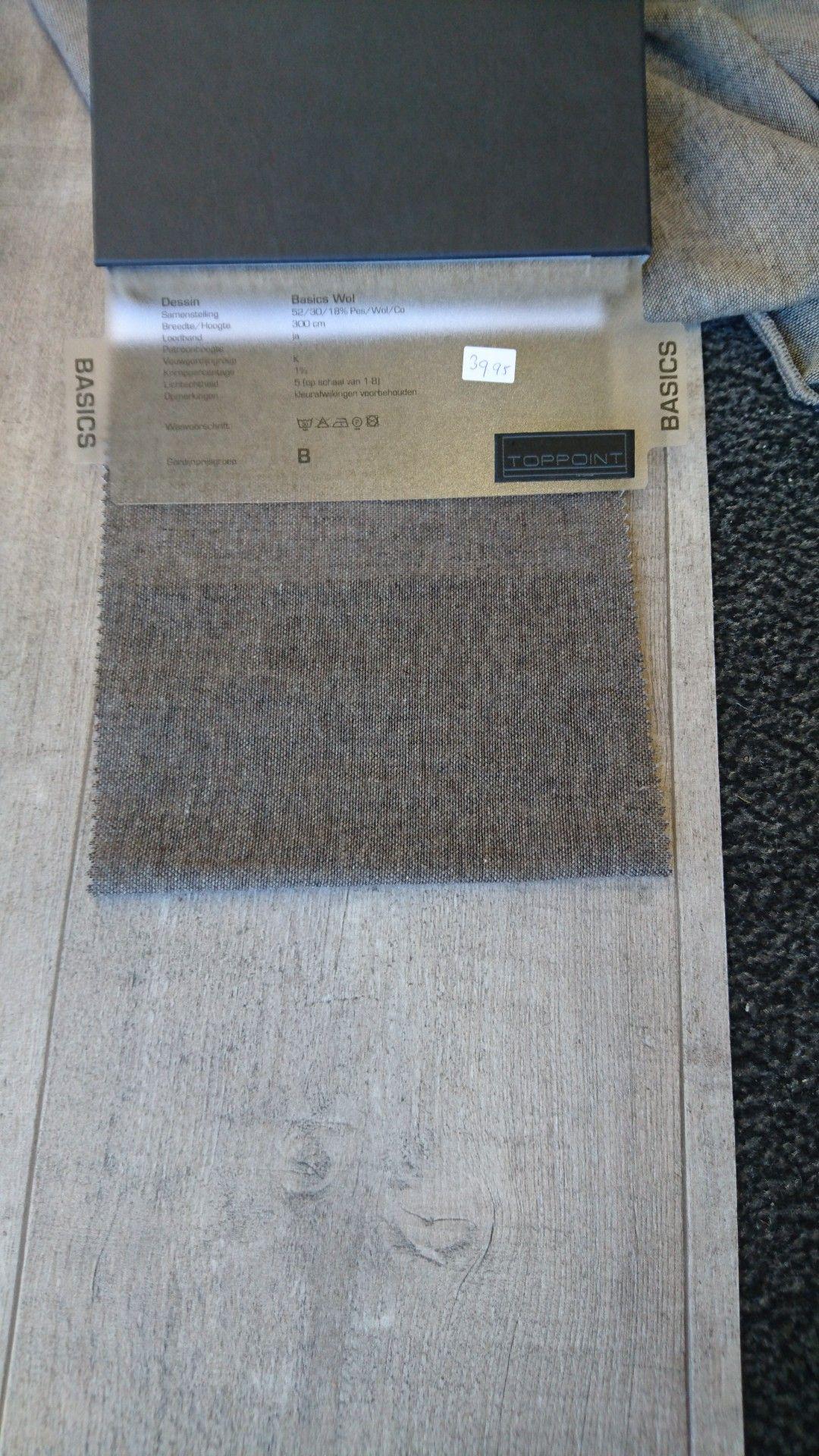 Showbaan met vinyl vloer combinatie grijs bruin | woonkamer ...