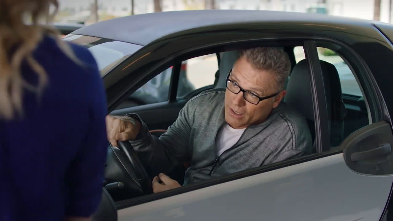 ▷ Skechers Wide Fit with Howie Long Ad