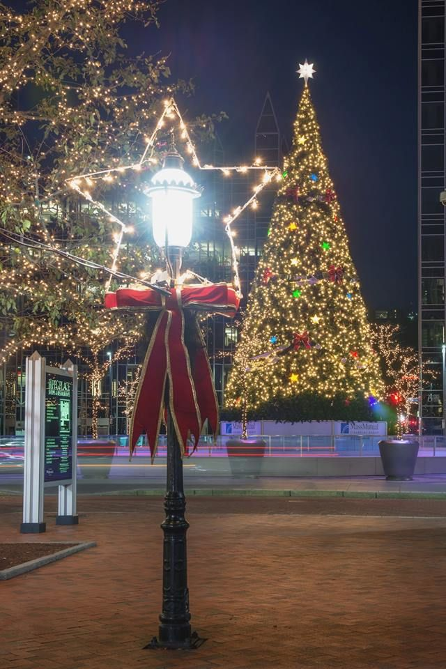 Christmas In Pittsburgh 2019.Pittsburgh Photographer Dave Dicello Ppg Place At