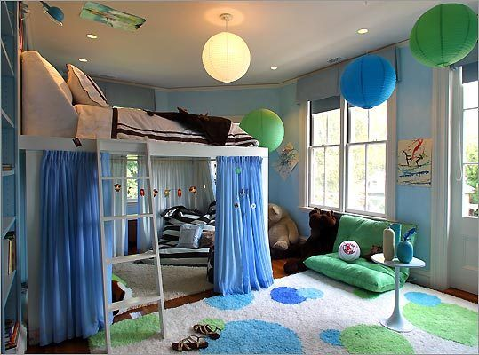 Dots are the theme for this 13 year old girl 39 s room but for 13 year old bedroom ideas