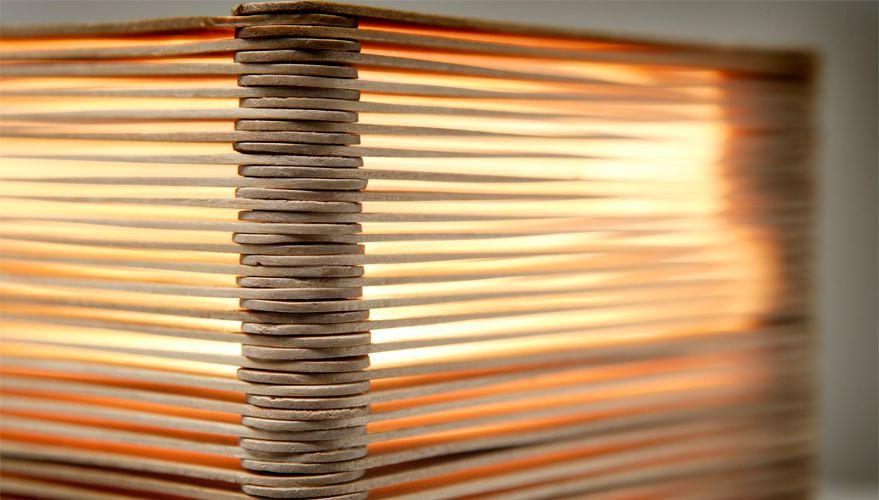Basteln mit Eisstielen DIY Tischleuchte aus Holzspateln Diy ideen Lampen selber machen  ~ 25185123_Liegestuhl Aus Geld Und Eisstielen