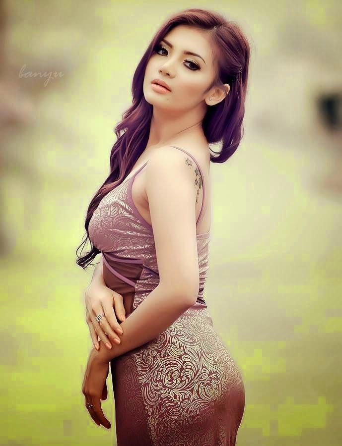 girl tiara Asian lestari