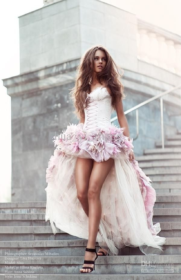 Free shipping, $251.26/Pieza:buy wholesale Vestidos de novia de playa corto frente y espalda larga una línea con 3D flores hechas a mano alrededor de Tulle Hi-Lo coloridos vestidos de novia from DHgate.com,get worldwide delivery and buyer protection service.