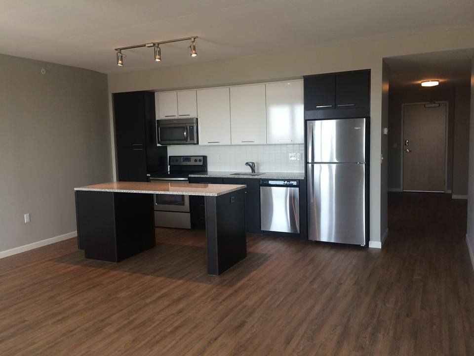 Minneapolis Mn Apartment Rentals 4marq Rental Apartments Floor Installation Modern Spaces