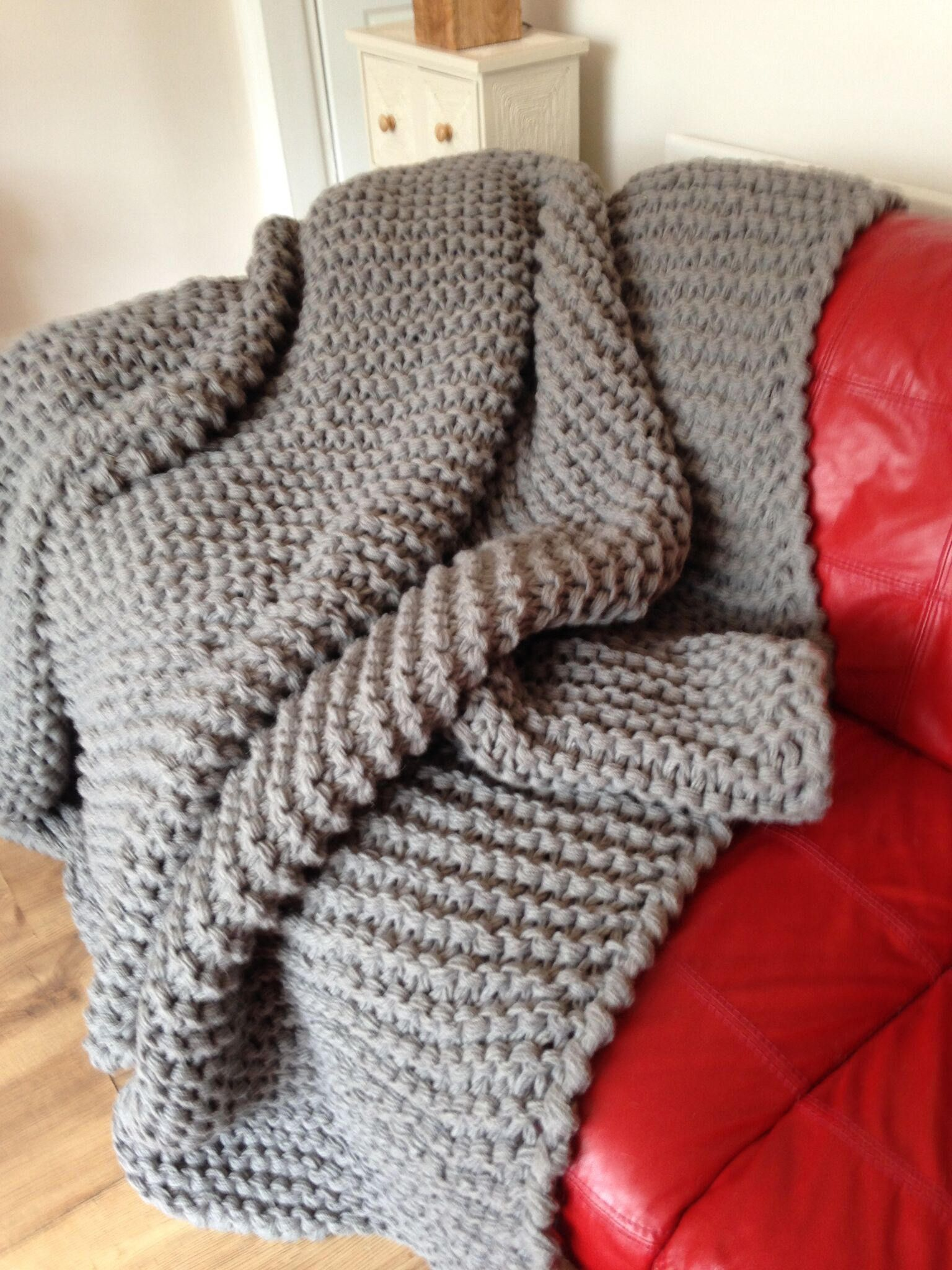 Chunky Knit Blanket Huge Knit Blanket Hand Knit Afghan Giant Yarn Super Chunky Blanket Throw Grey Lap Blanket Large Knitted Afghan Knitted Blankets Hand Knitted Throws Super Chunky Blanket