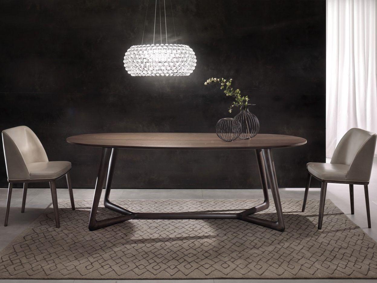 Cover Oval Table By Pacini Cappellini Design Giuliano