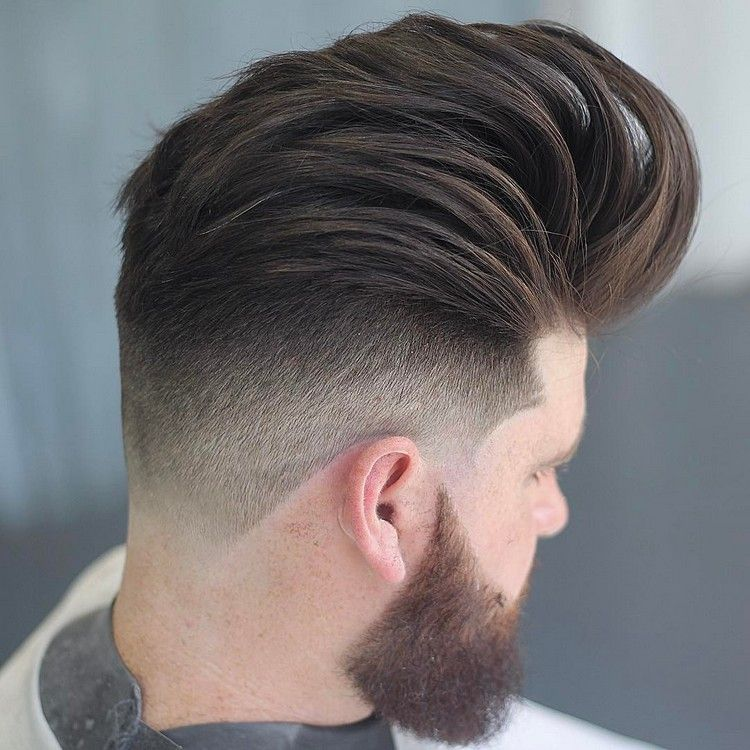 Mittellange Haare Undercut Manner Ubergang Bart Hairstyles Hair