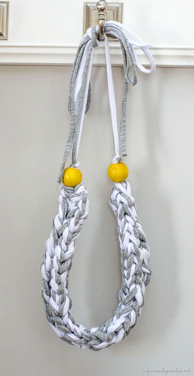 How to make a Finger Knit Necklace // Tutorial by ...
