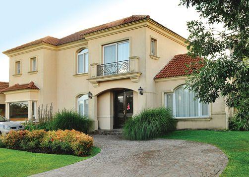 Tejas clasicas casa fachadas con tejas fachadas y for Fachada de casas modernas con tejas