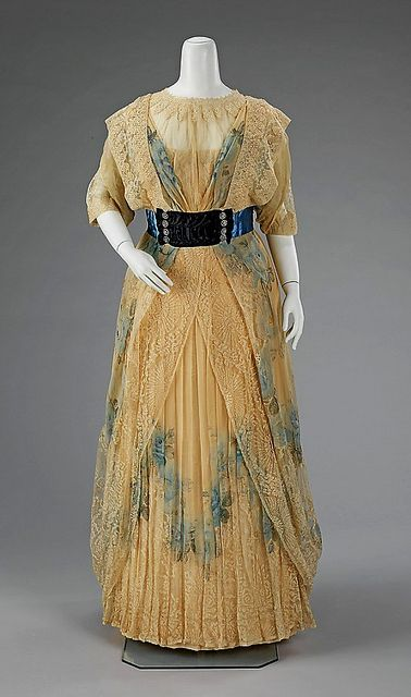 Gorgeous blue roses add instant interest to this timelessly lovely Edwardian dinner dress