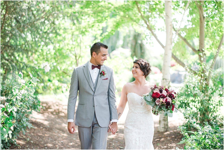 Yellow Rose Nursery Wedding Prosser Wa Donovan And Julie Misty C Photography Bride Wedding Photos Rose Nursery Stella York Wedding Dress