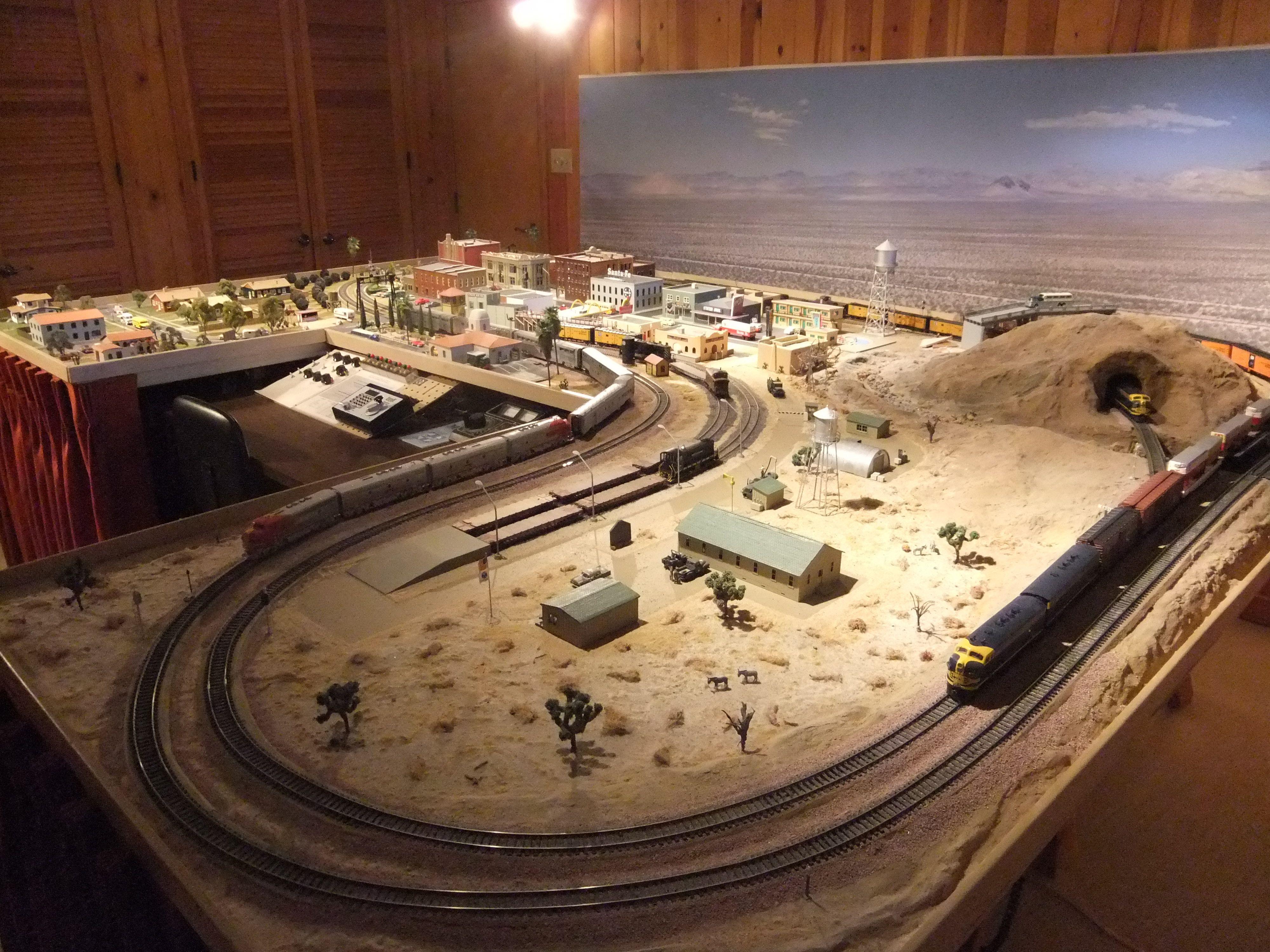 Ho scale santa fe layout model trains pinterest ho for Tinning table model