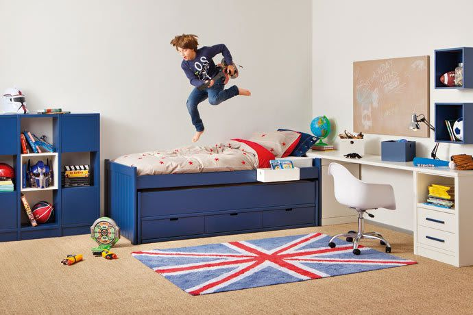 Dormitorio juvenil con zona de estudio: habitaciones de niños de estilo de sofás camas cruces, moderno