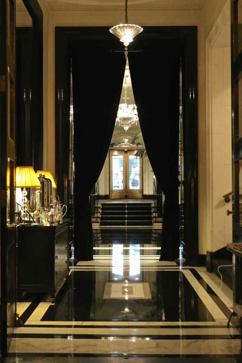 The Carlyle Hotel Of New York Its Truly Distinctive Amenities