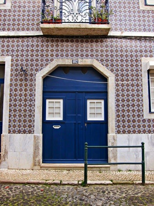 whiskey kittens: Day 1: Colorful, Crooked, Charming Lisbon. #portugal